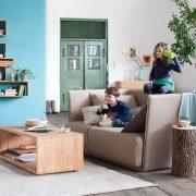 Gruene-Erde-Sofa-Familie2
