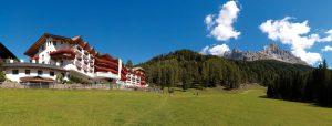 Kräuterwanderungen und -workshops im Hotel Sonnalp