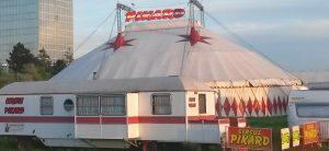Die ganze Familie zu Besuch im Circus Pikard