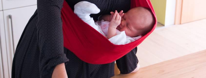 Geborgen im Babytuch