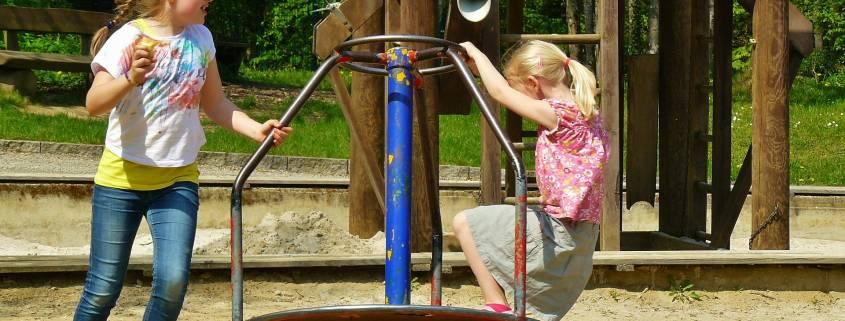children-playing-334531_1920 pixab