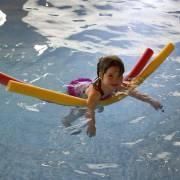 swimming-445102_1920