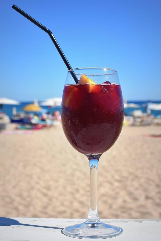 Am allerbesten schmeckt Sangria natürlich am Strand!