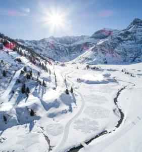 Familienwinterurlaub in der traumhaften Bergwelt des Gasteinertals
