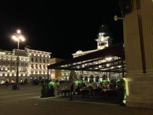 Restaurant Harry's im Grand Hotel Duchi d'Aosta bei Nacht