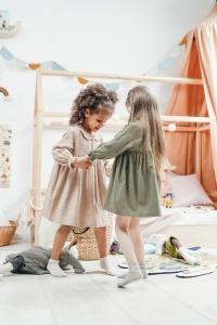 tanzende Mädchen